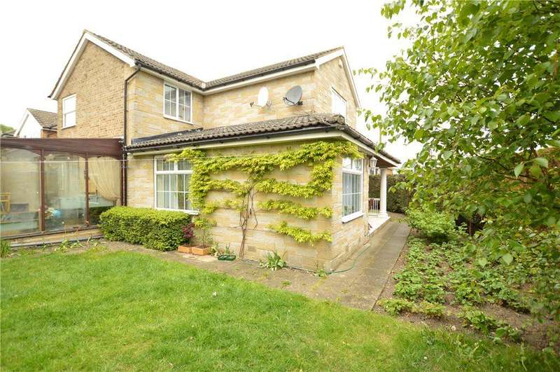 4 Bedrooms Detached House for sale in Bruntcliffe Drive, Morley, Leeds