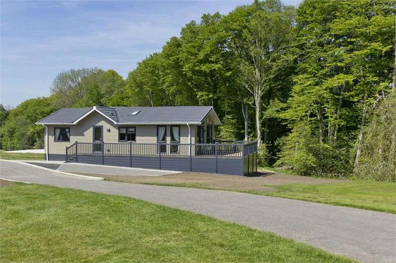 Park Home Mobile Home for sale in Lewes Road, BLACKBOYS, East Sussex