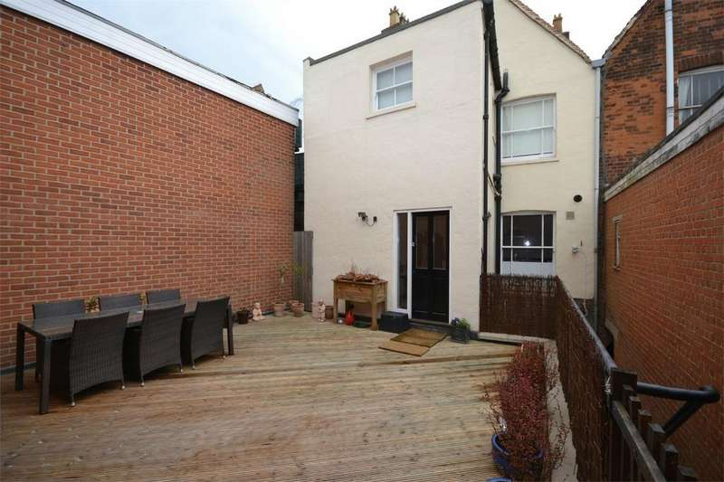 2 Bedrooms Flat for sale in High Street, Maldon, Essex