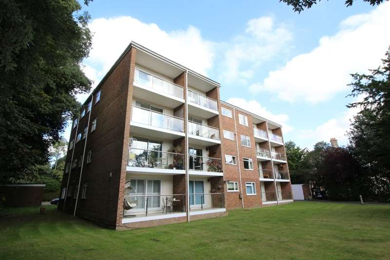 2 Bedrooms Flat for sale in 12 Chine Crescent Road, Bournemouth BH2 5LQ
