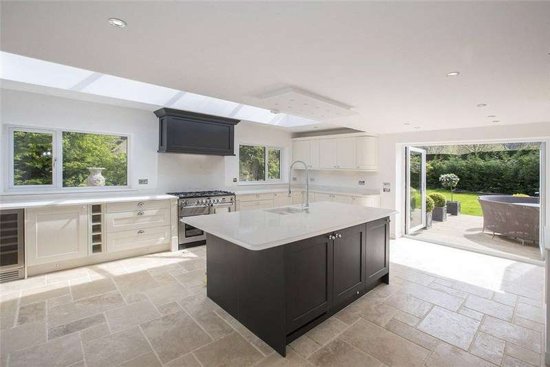 4 Bedrooms Detached House for sale in Broadway Road, Willersey, Nr Broadway, Worcestershire, WR12