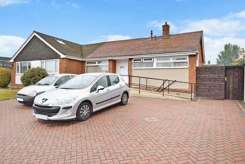 2 Bedrooms Bungalow for sale in Rostherne Crescent, Widnes
