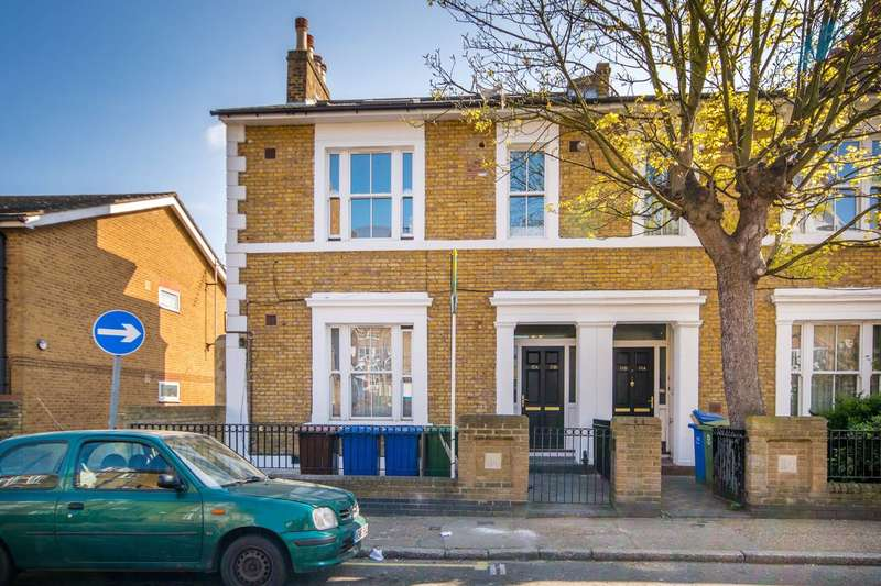 3 Bedrooms Flat for sale in Alpha Street, Peckham Rye, SE15