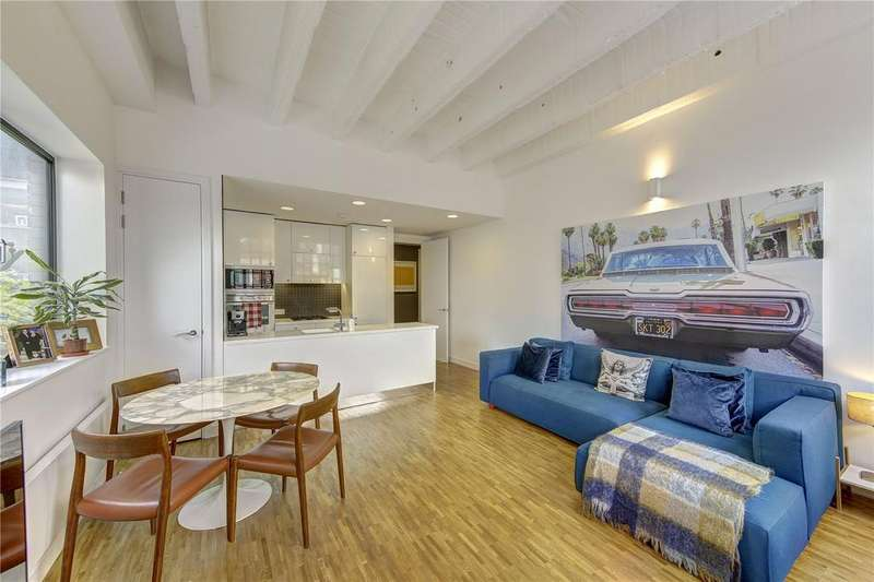 3 Bedrooms Apartment Flat for sale in Leather Lane, Farringdon, EC1N