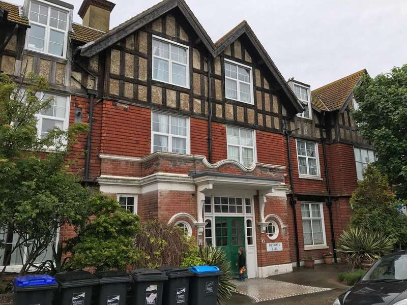3 Bedrooms Flat for sale in Beresford Gardens, Margate, Thanet, Kent CT9