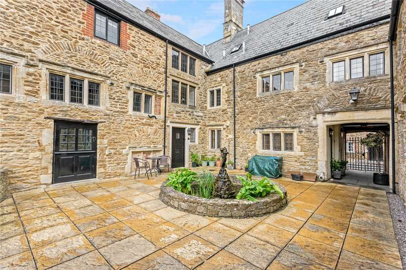 3 Bedrooms Mews House for sale in Manor House, High Street, Highworth, Wiltshire, SN6