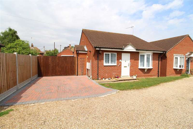 2 Bedrooms Bungalow for sale in Ayloffe Road, Colchester