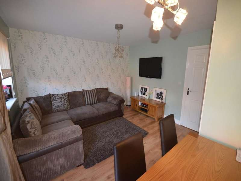 4 Bedrooms Semi Detached House for sale in Weaver Close, Oswestry, SY11