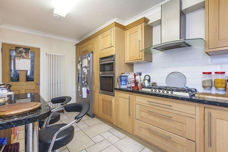 3 Bedrooms Terraced House for sale in Cedars Road, London, Greater London. E15 4NE
