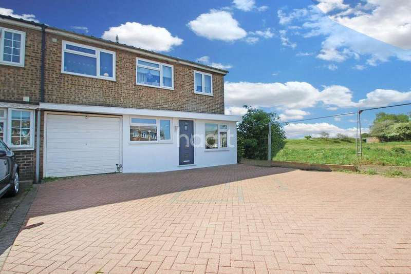4 Bedrooms End Of Terrace House for sale in St Johns Road, Chadwell St Mary, Grays, RM16
