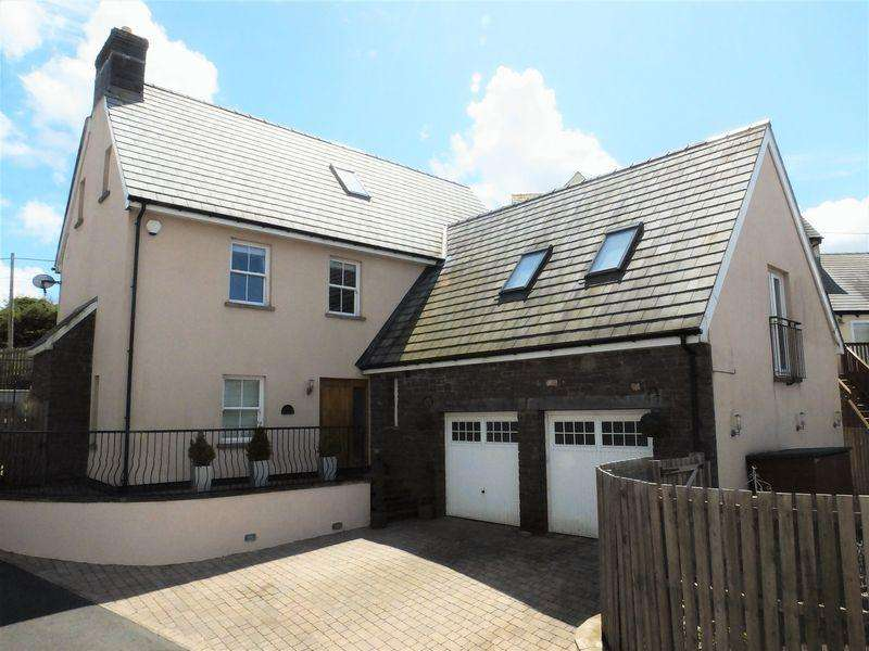5 Bedrooms Detached House for sale in Penyffyddlwyn Lane, Abergavenny
