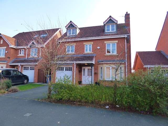 6 Bedrooms Detached House for sale in Snowberry Crescent, Saxon Park, Warrington