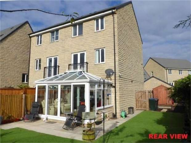 4 Bedrooms Semi Detached House for sale in Mill Race Lane, Laisterdyke, Bradford, West Yorkshire