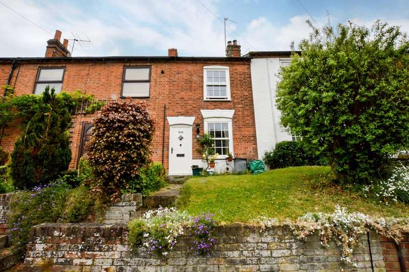 2 Bedrooms Cottage House for sale in Waterside, Chesham, HP5