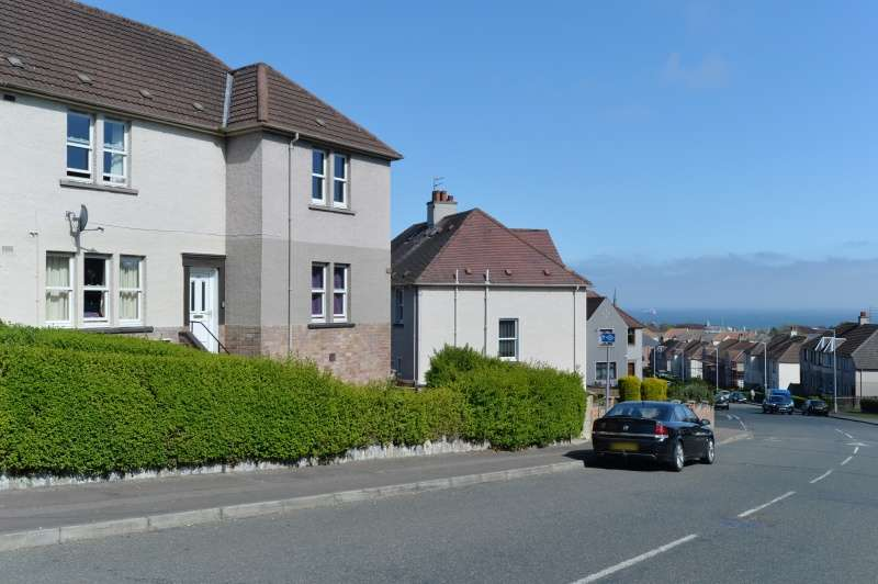 2 Bedrooms Flat for sale in Massereene Road, Kirkcaldy, Fife, KY2 5RU