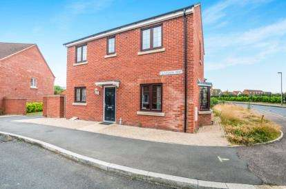 3 Bedrooms Detached House for sale in Clivedon Way, Aylesbury, Buckinghamshire