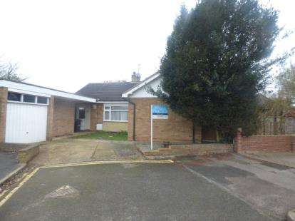 3 Bedrooms Bungalow for sale in Fairholme, Bedford, Bedfordshire