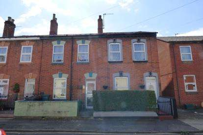 4 Bedrooms Terraced House for sale in Magdala Road, Gloucester, Gloucestershire