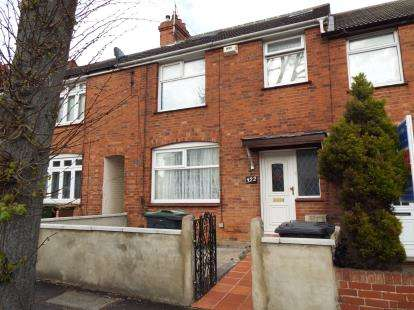 4 Bedrooms Terraced House for sale in Beechwood Road, Luton, Bedfordshire
