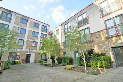 2 Bedrooms Flat for sale in Verdigris, 114 Jacob Street, Bristol