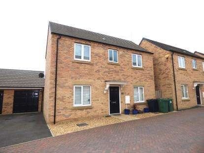 3 Bedrooms Detached House for sale in Roma Road, Cardea, Peterborough, Cambridgeshire