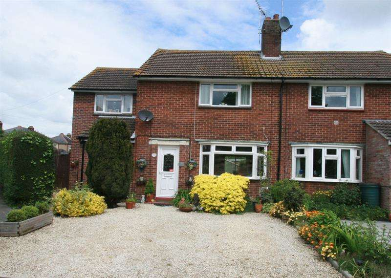 3 Bedrooms Semi Detached House for sale in Denville Close, Portsmouth