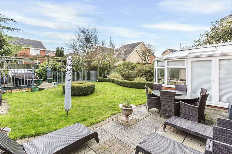 4 Bedrooms Detached House for sale in Edward Close, Chafford Hundred