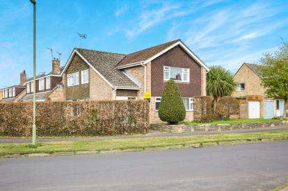 4 Bedrooms Detached House for sale in Romsey, Southampton, Hampshire