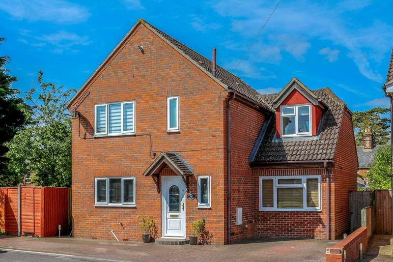 4 Bedrooms Detached House for sale in Amwell Place, Cholsey