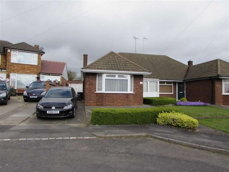 3 Bedrooms Property for sale in Holmwood Close, Dunstable, Bedfordshire, LU5