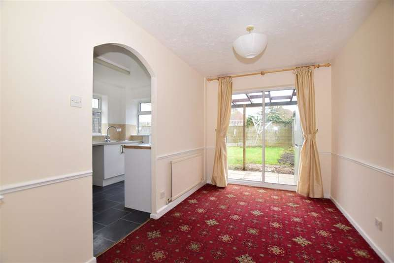 3 Bedrooms Semi Detached House for sale in Essella Road, Ashford, Kent