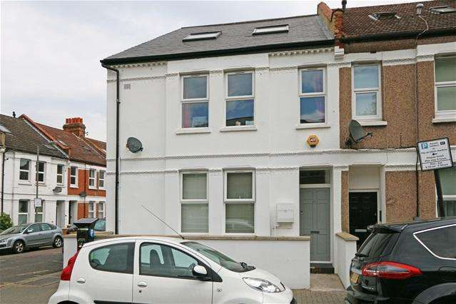 4 Bedrooms Flat for sale in Coverton Road, Tooting