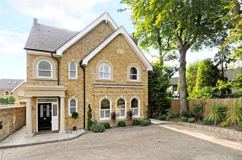 5 Bedrooms Detached House for sale in Hever Place, East Molesey, Surrey, KT8
