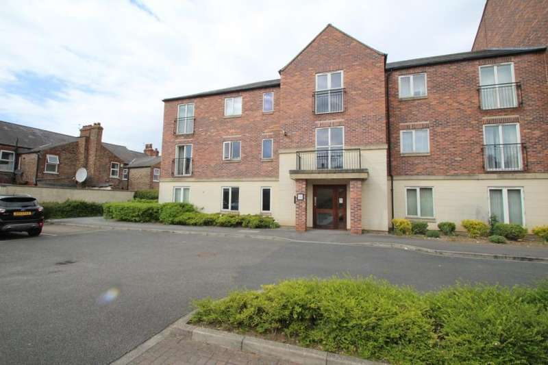 2 Bedrooms Apartment Flat for sale in KINGFISHER HOUSE, BRINKWORTH TERRACE, YORK, YO10 3DF