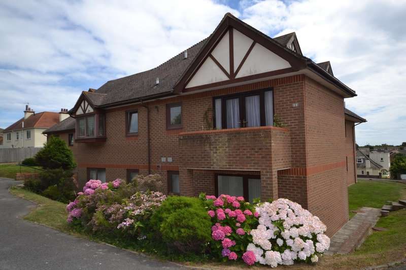 2 Bedrooms Flat for sale in Beaulieu Court, De La Warr Road, Bexhill On Sea, TN40