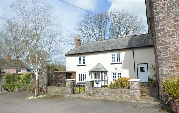 3 Bedrooms Semi Detached House for sale in The Square, Witheridge, Tiverton, Devon