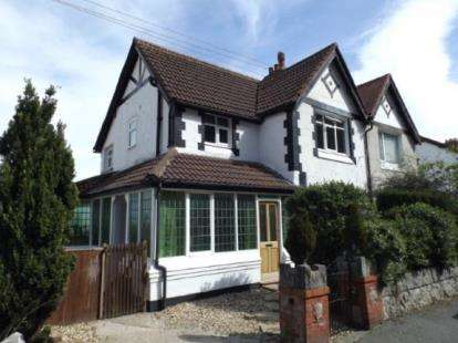 3 Bedrooms Semi Detached House for sale in Seafield Road, Colwyn Bay, Conwy, LL29