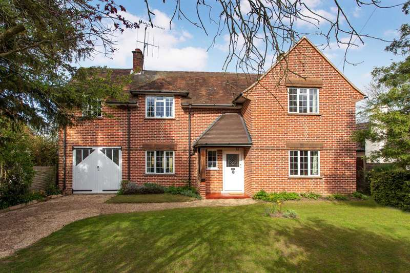 4 Bedrooms Detached House for sale in Upper Woodcote Road, Caversham Heigths