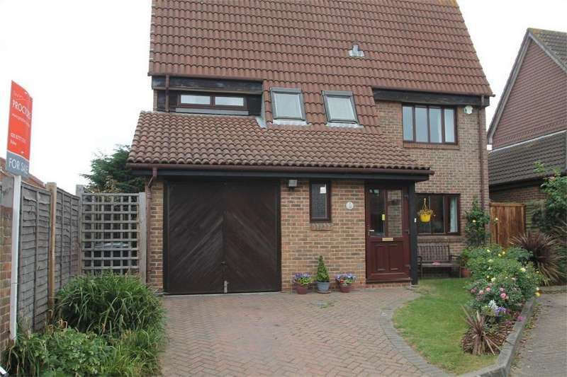 4 Bedrooms Detached House for sale in Lupin Close, Shirley Oaks Village, Croydon, Surrey