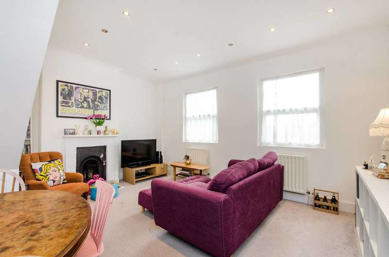3 Bedrooms Maisonette Flat for sale in Crown Lane, Morden, SM4