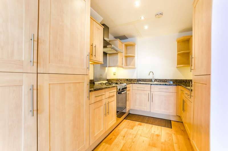 1 Bedroom Flat for sale in Green Street, Upton Park, E7