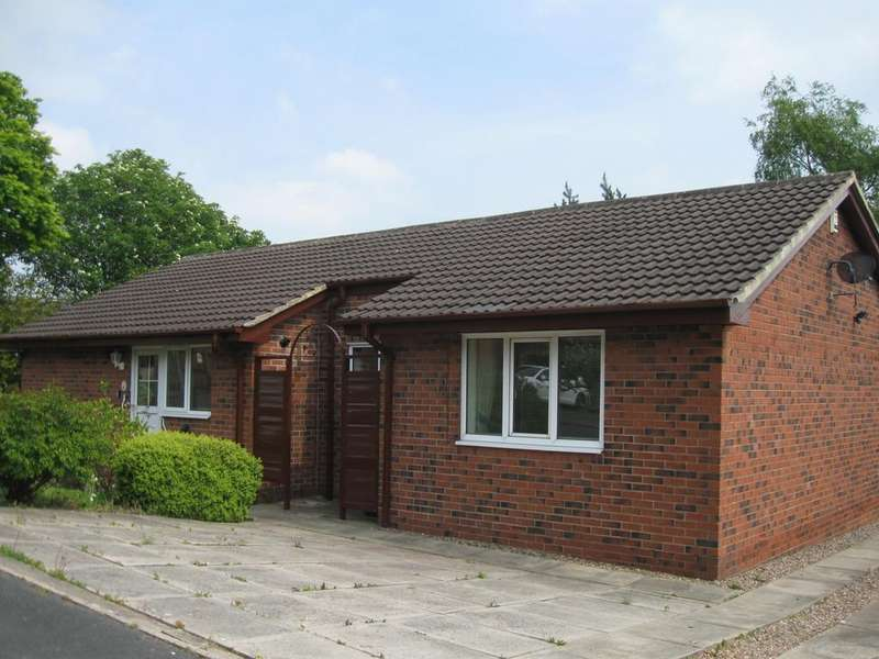 3 Bedrooms Detached Bungalow for sale in Haven Chase, Leeds LS16