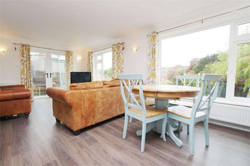 3 Bedrooms Detached House for sale in Scalby Road, Scarborough