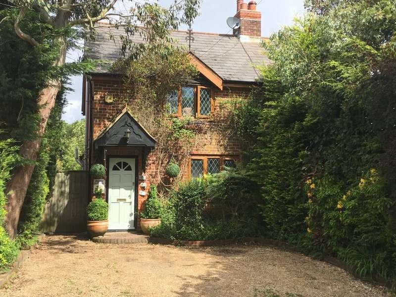 3 Bedrooms Semi Detached House for sale in Pages Lane, East Boldre, Brockenhurst, Hampshire SO42
