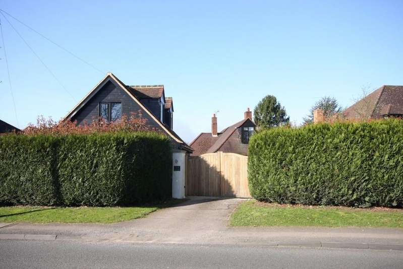 4 Bedrooms Detached House for sale in Pepper Hill, Great Amwell, Herts