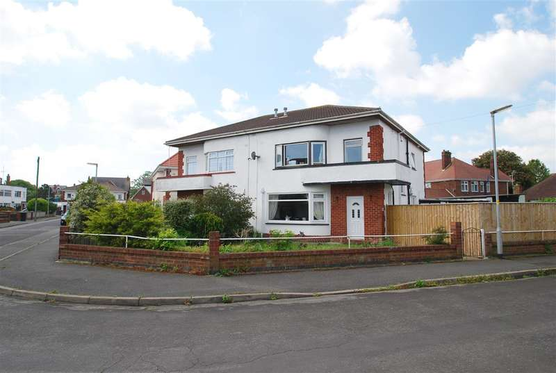 4 Bedrooms Semi Detached House for sale in Castleton Crescent, Skegness