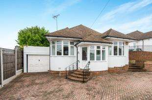 3 Bedrooms Bungalow for sale in Westergate Road, Rochester, Kent, .
