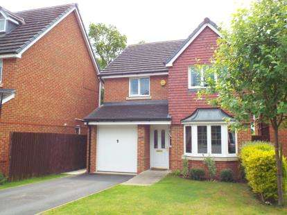 4 Bedrooms Detached House for sale in Lochleven Road, Crewe, Cheshire
