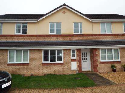 3 Bedrooms Terraced House for sale in Cwrt Maes Goch, Bagillt, Holywell, Flintshire, CH6
