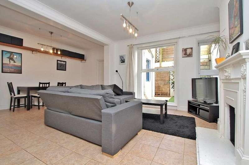 2 Bedrooms Flat for sale in St Michaels Place Brighton East Sussex BN1